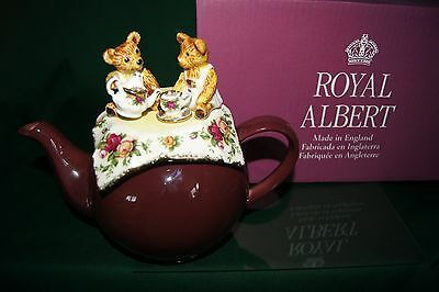 Retired 17211 03731 Cardew Royal Albert Old Country Roses Cranbry Teddys Picnic