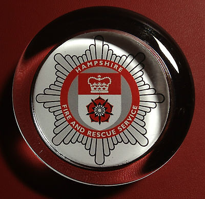 HAMPSHIRE   FIRE & RESCUE SERVICE   70mm  GLASS PAPERWEIGHT