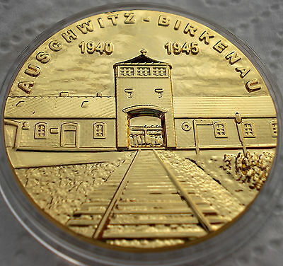 MEDAL Gold plated Coin Auschwitz Birkenau Symbols Holocaust concentration camp