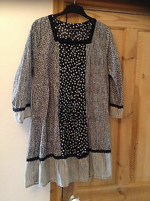 Gudrun Sjoden black and whites pattern tunic shirt size L Large