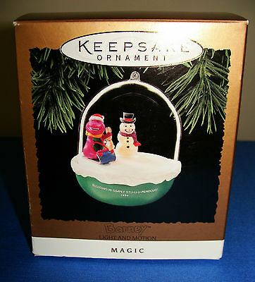 "1994 ""BARNEY"" LIGHT AND MOTION MAGIC HALLMARK ORNAMENT/CUTE FOR THE KIDS!"