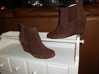 NEW* Women Sz 8 KENNETH COLE; Brown Suede Covered Wedge Ankle Boot Shoes $119.00
