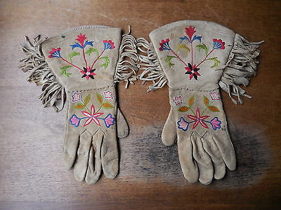 Pair Of Native American Indian Embroidered Gloves /Gauntlets~