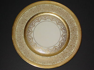 "12 VINTAGE HEINRICH AND CO. SELB, BAVARIA GOLD PATTERN ""EDGERTON"" DINNER PLATES"