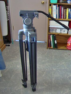 LIBEC TH-2000 Fluid Head Tripod