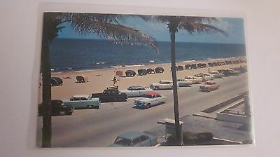UNUSED POSTCARD ***** BEACH AT FORT LAUDERDALE   FLORIDA
