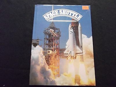 Space Shuttle by Robin Kerrod 1984 Book Aerospace History Photos Rockwell