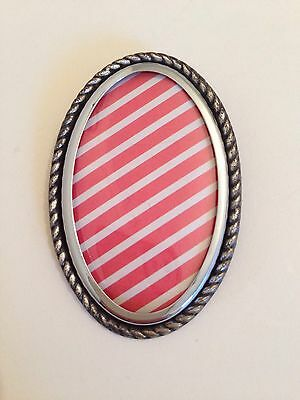 VINTAGE 1920/30s ORIGINAL ENGLISH EMBROIDERY PICTURE FRAME BROOCH