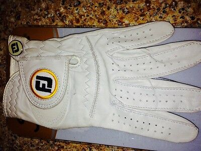 BRAND NEW FOOT JOY LEFT HAND WOMENS STA SOFT GOLF GLOVE SIZE SMALL. PEARL WHITE