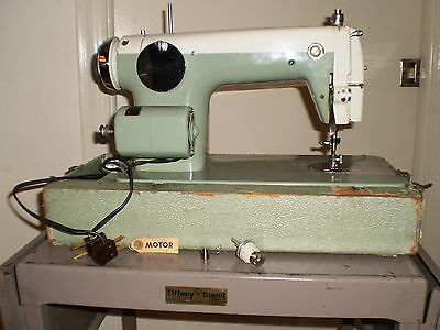 "VINTAGE-COLLECTIBLE=""VISCOUNT"" SEWING MACHINE ""850 japan made"""