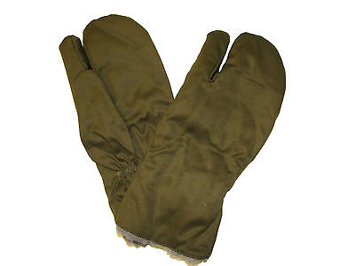 827bc8c7a36 Genuine CZECH Army Issue M 55 Combat Winter Trigger Finger Mitts Olive -  Unused