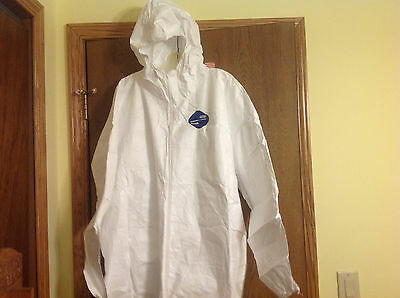 White Snow Goose KLEENGUARD* A40 Liquid & Particle Protection Coveralls 3XL