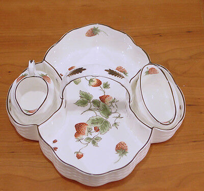 Coalport China Scalloped Strawberry Basket With Sugar Bowl& Creamer Set New