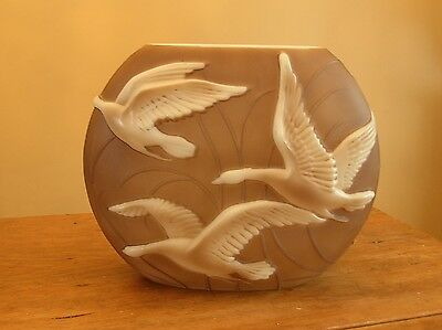 Phoenix Consolidted Art Glass Wild Flying Geese Large Pillow Vase Brown White