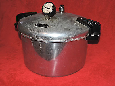 VINTAGE MAID OF HONOR 16 QT COOKER CANNER & WIRE BASKET PLUS EXTRAS