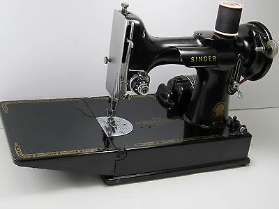 1955 Singer Featherweight Portable Model 221- Sewing machine with Box/Case NM