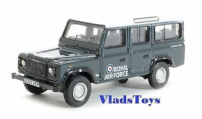 Oxford Military 1/76 Land Rover Defender Station Wagon RAF 1980s 76DEF013