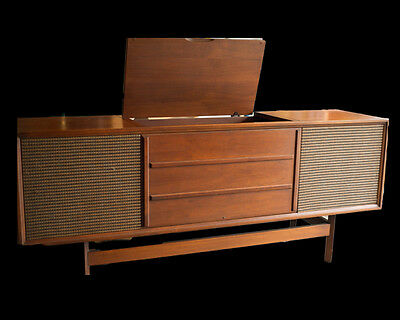 Vintage Arvin Console Stereo Radio and Turn Table