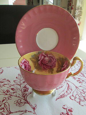 AYNSLEY CHINA PEDESTAL CABINET CUP & SAUCER  ROSES