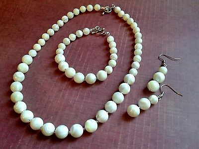 100% Natural Mother of Pearl 3 piece set (Necklace, Bracelet, Earrings)
