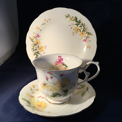Royal Wessex Clementine  Vintage China Trio Cup, Saucer & Plate - Weddings  VGC