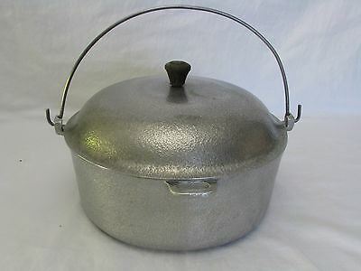 Vintage Club Aluminum Dutch Oven, Hammercraft, With Lid and Bail Handle