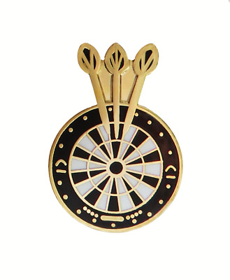 Darts & Dartboard Pin Badge - P136