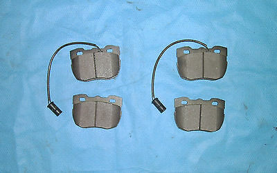 Rear brake pads for Ex-Army Land Rover Perentie 6x6 and 4x4 (HYM443)