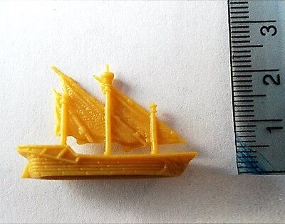 Dungeons and Dragons Yellow Plastic Ships x 6 ideal for Man O War games