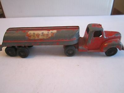 "Vtg Tootsietoy Mobil Gas Truck & Gas Container - 9"" Long - Tub Hd"