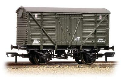 Bachmann 38-162 12T  BR Planked Vent Van ZRV Departmental Olive Green - T48 Post