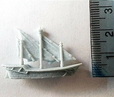 Dungeons and Dragons Grey Plastic Ships x 6 ideal for Man O War games