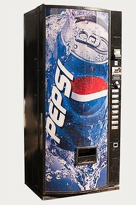 Dixie Narco 440 Single Price Soda Can Vending Machine w/ Pepsi Classic Graphic