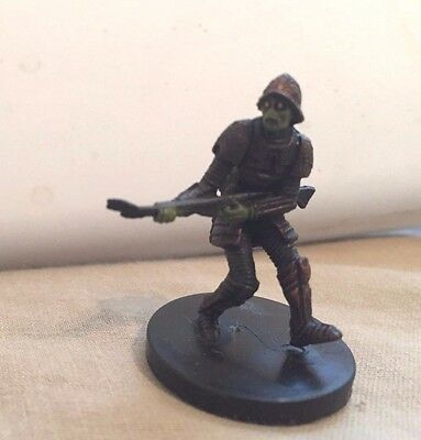 Star Wars Miniatures Revenge of the Sith #36/60 Neimoidian Soldier- NC