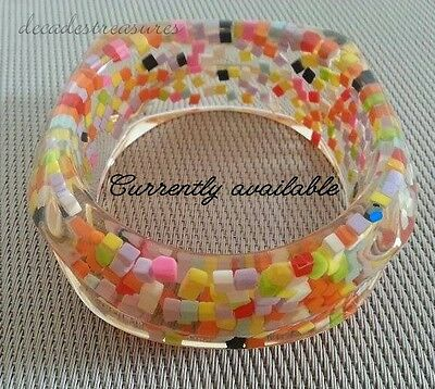 Vtg Confetti Lucite Acrylic Multi Colored & Clear Chunky Bangle Bracelet