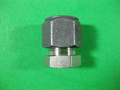 """Parker Tube Fitting 1/2"""" -- 8-PNBZ-SS -- New"""