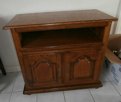 Buffet bas ancien for Petit meuble hifi