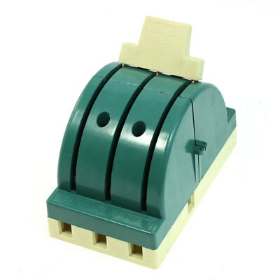 Green Shell 3 Pole Double Throw Cutter Type Closing Disconnect Switch 380VAC 63A