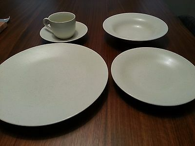 """Lindt-Stymeist """"Craftworks"""" Original Linen place settings (6 available)"""