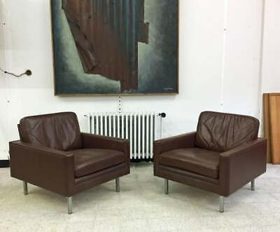 Paire De Fauteuils 1960 En Cuir, Pietement Metal Chrome