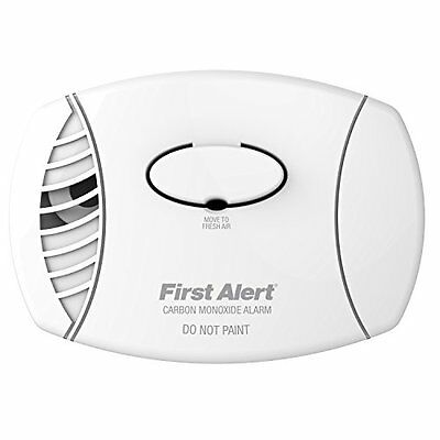 NEW First Alert CO400 Battery Powered Carbon Monoxide CO1 Alarm/Detector
