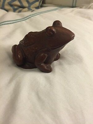 Decorative 1986 Red Mill Mfg. Handcrafted Frog Figurine w/ Label
