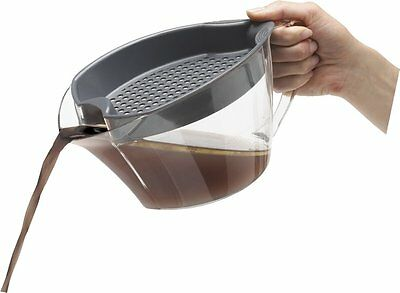 Trudeau 4 Cup Fat Separator / Gravy Boat with Strainer