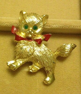 Vintage Christmas Pin Brooch Kitten With Red Bow And Green Eyes Unsigned