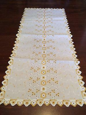 Vintage Table Runner Embroidered Gold & White Eyelet Lace Floral Scalloped 13x31