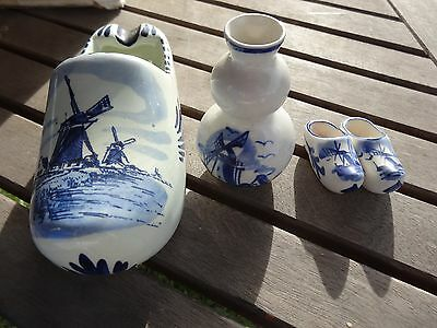 Lot 4 piece Delft Blue Holland Large shoe Vase marked 2 small shoes