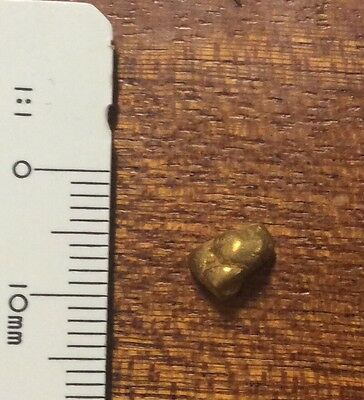 Australian Natural Gold Nugget 1.1g  .approximate weight