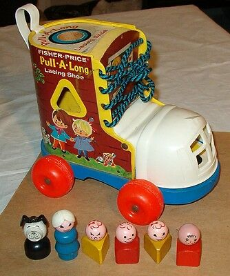***fisher Price Play Family Pull-A-Long Lacing Shoe Playset Pull Toy***