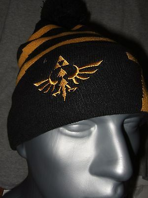 The Legend Of Zelda Gold Triforce Symbol Logo Link Beanie Hat Nintendo NES  Game db3b1ce85374