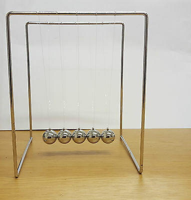 Classic Newtons Cradle Game Novelty Executive Toy Desk Top Office Gift Gadget